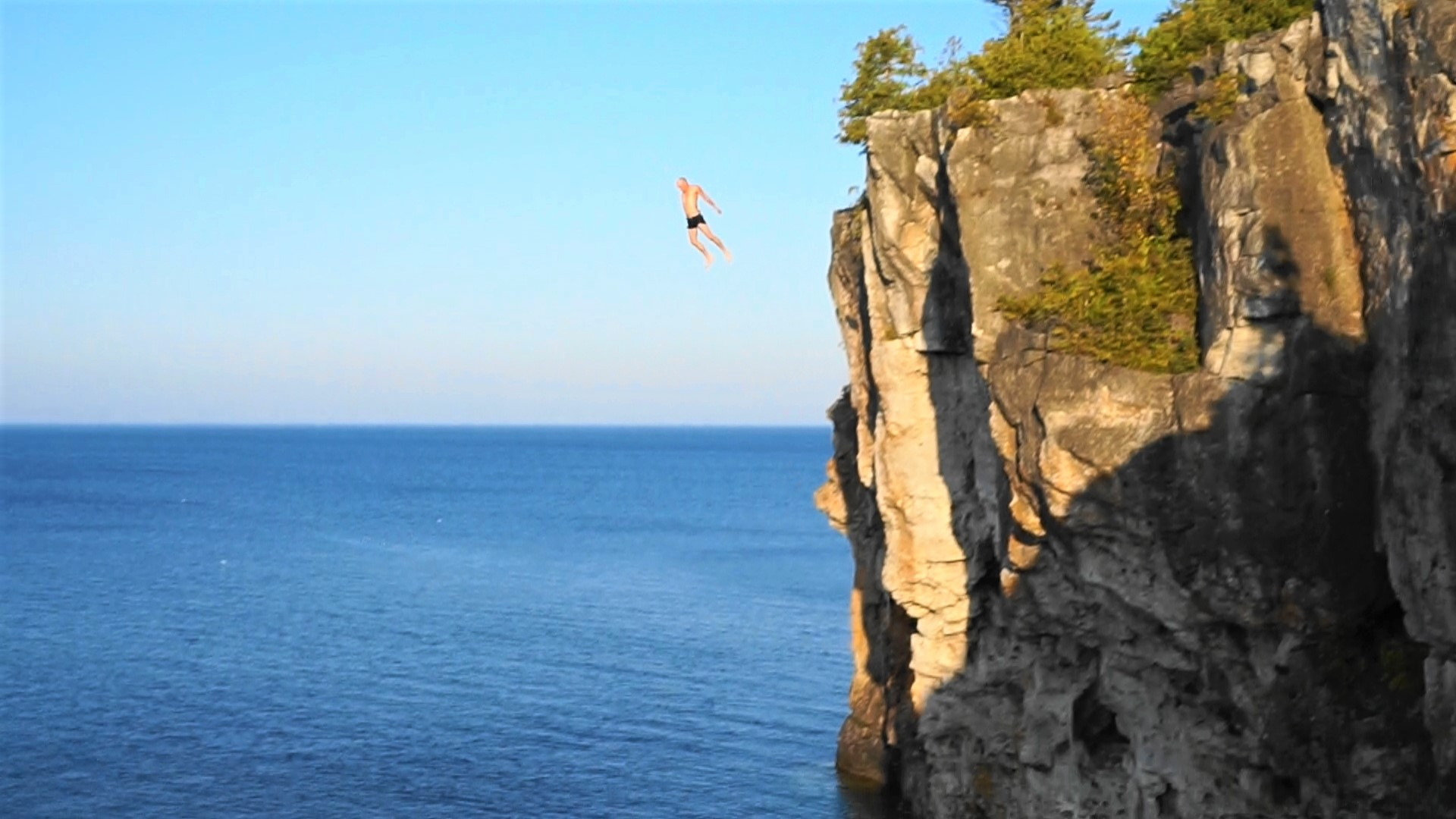 Camping hiking and cliff diving in tobermory jetlag warriors - Highest cliff dive ever ...